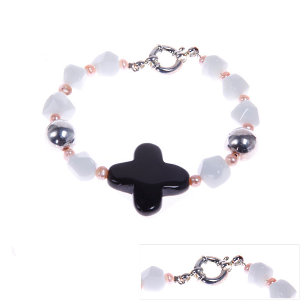IPEARL Freshwater Pearl Bracelet with Black & White Agate; Silver Clasp (TRB-3734)