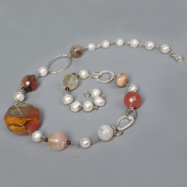 IPEARL 24 Inch Freshwater Pearl Necklace with Round White Pearls, Cherry Stone & Garnet, Silver Clasp (TRN-10081)