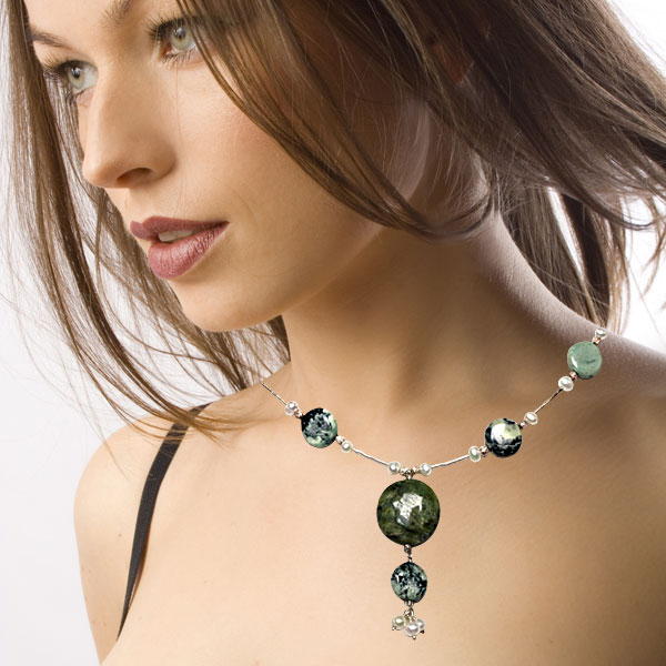 IPEARL 16 Inch Freshwater Pearl Necklace with Green Opal, Turquoise, Silver Clasp (TRN-3304)